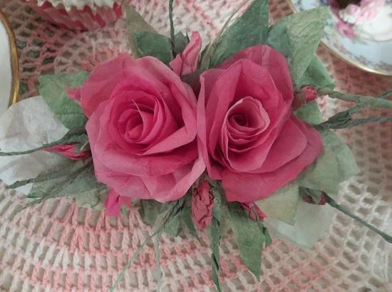 (Ellie) Handmade Paper Rose Clip