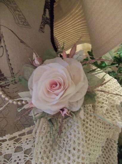 (Mara Rosa) Handmade Paper Rose Clip