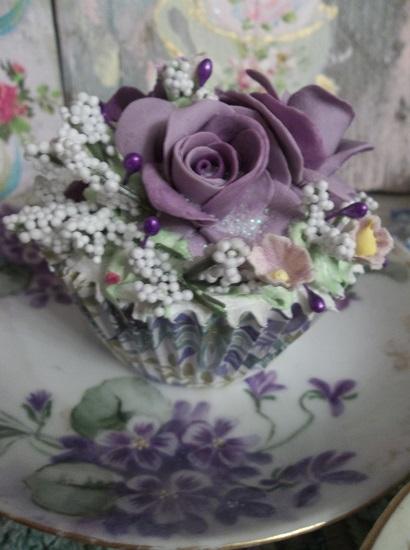 (Alice In Cupcake Land) Fake Cupcake