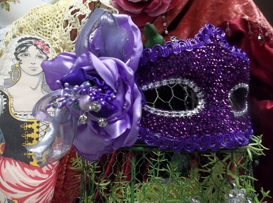 (Violet) Decorated Carnival Mask