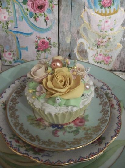 (Evaughna) Fake Cupcake