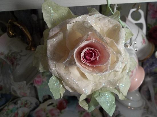 (Savanah) Glittered Handmade Paper Rose