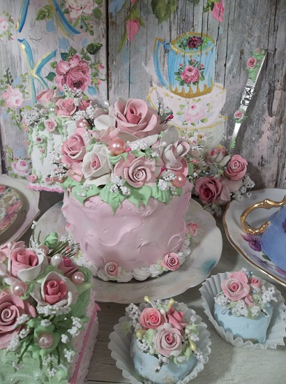 (Tea Party Queen) Funky Junk Fake Cake