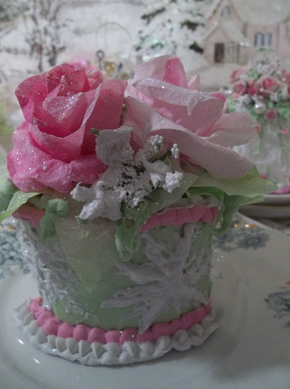 (Roses In The Snow) Fake Cake Slice