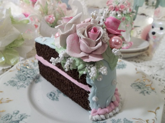 (Summer Rosa) Fake Cake Slice