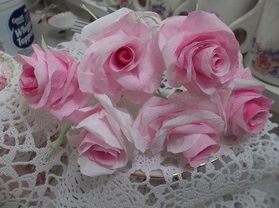 (Olivia) 6 Handmade Paper Roses On Stems