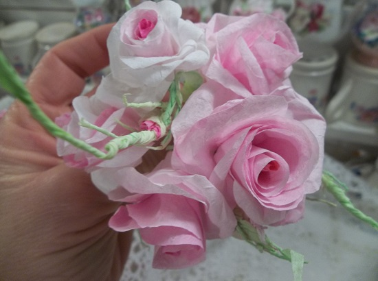 (Cynthia) 5 Handmade Paper Roses And 3 Buds On Stems