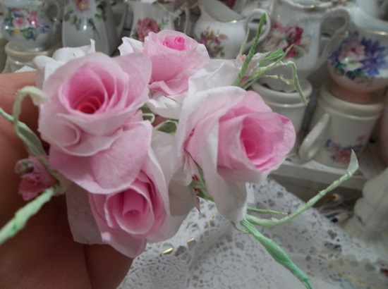 (Blissful) 5 Handmade Paper Roses And 3 Buds On Stems