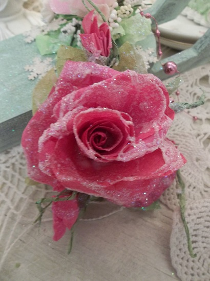 (Old Fashioned Christmas) Glittered Handmade Paper Rose Clip