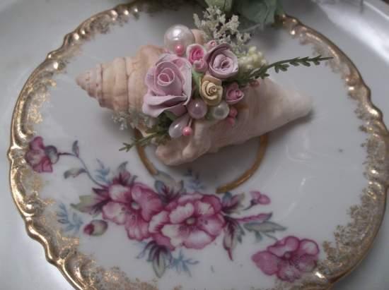 (Shaela) Mini Marvel Decorated  Sea Shells  Beach Decor  Wedding Natural , Pearls , Roses Art
