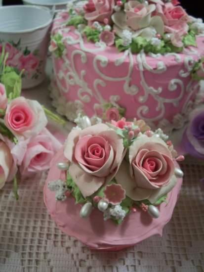 (Valerie Anne)  Fake Cupcake
