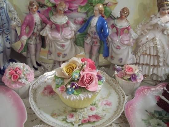 ((Dorthia's Prize) Life Size  Cupcake Fake Food Cottage Decor