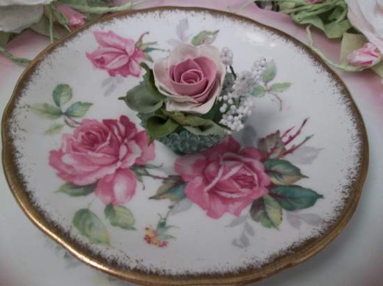 (Audrie) Handmade Clay Rose Decor