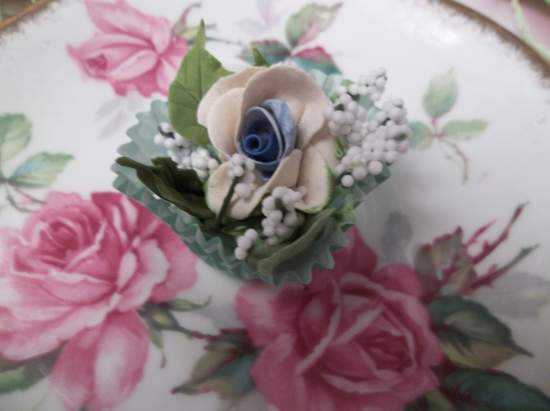 (Pennie) Handmade Clay Rose Decor