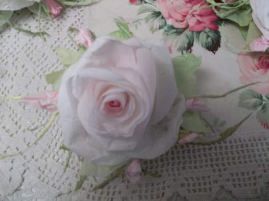 (Olivia Rosia) Handmade Paper Rose Clip