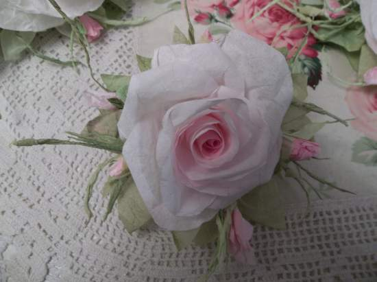 {Joy Anne) Handmade Paper Rose Clip