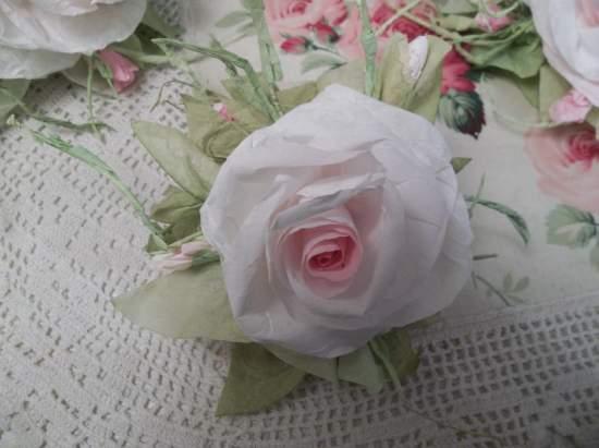 (Meri) Handmade Paper Rose Clip