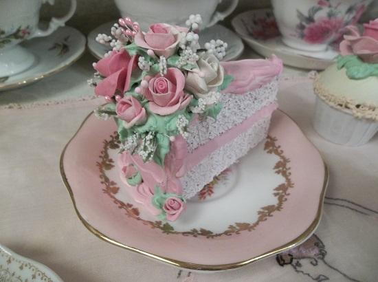 (Heidi) Fake Cake Slice