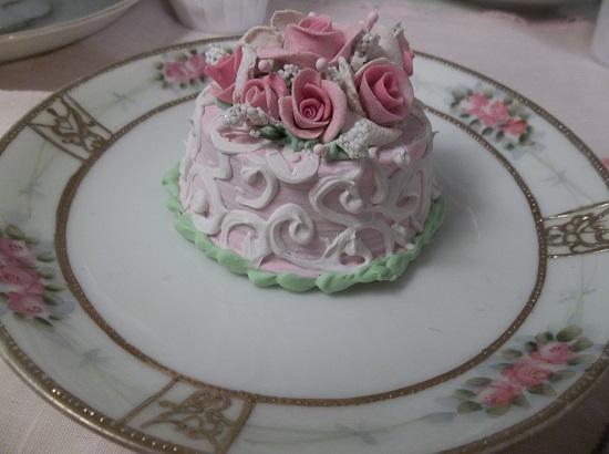 (Little Dreamer) Funky Junk Fake Cake