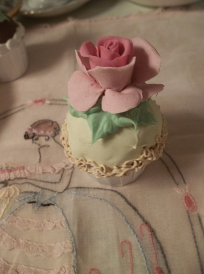 (Jayme) Mini Fake Cupcake