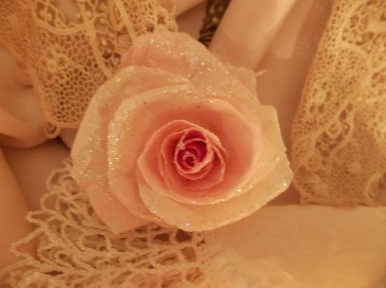 (Sherie) Glittered Handmade Paper Rose