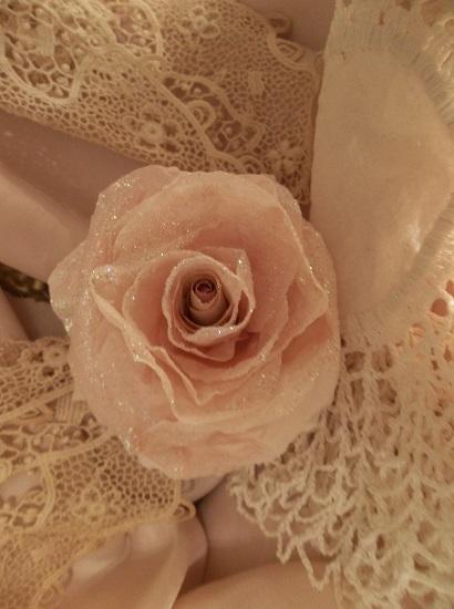 (Unice) Glittered Handmade Paper Rose