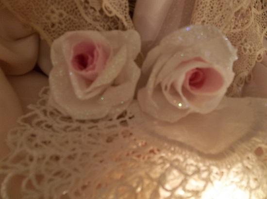 (Winnie) Set Of 2 Glittered Handmade Paper Roses