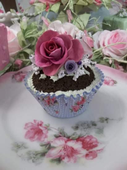 (Maiden) Fake Cupcake