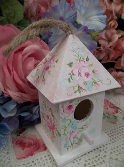 (Fantastic) Handpainted Bird House