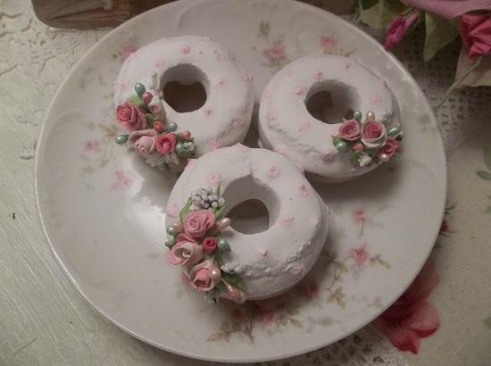 (La Pausa) Set Of 3 Mini Donuts