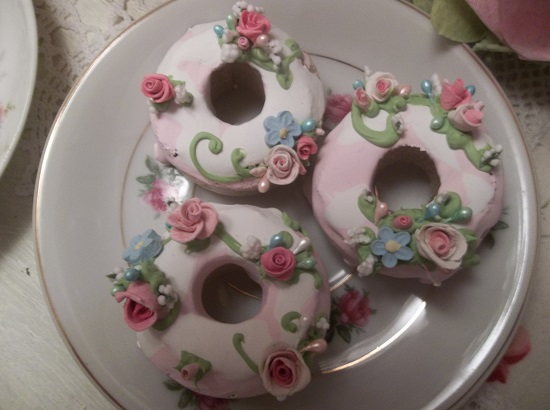 (Gretta) Set Of 3 Mini Donuts