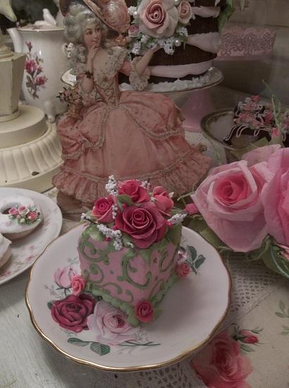 (Lady Diana) Fake Cake Slice