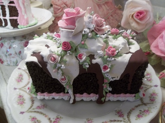 (Rose Topped Ice Cream A Meltin'cake) Fake Cake Bar Cake