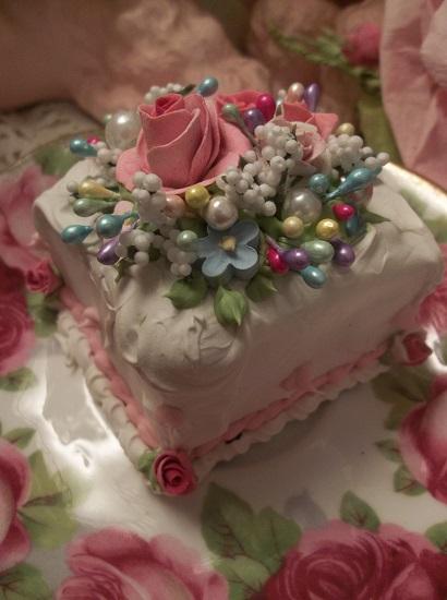 (Penny) Fake Cake Slice