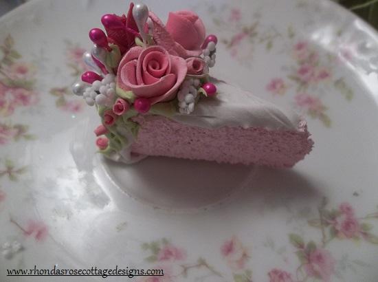 (Eden) Small Fake Cake Slice