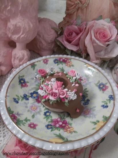(Sprinkles) Decorated Mini Donut