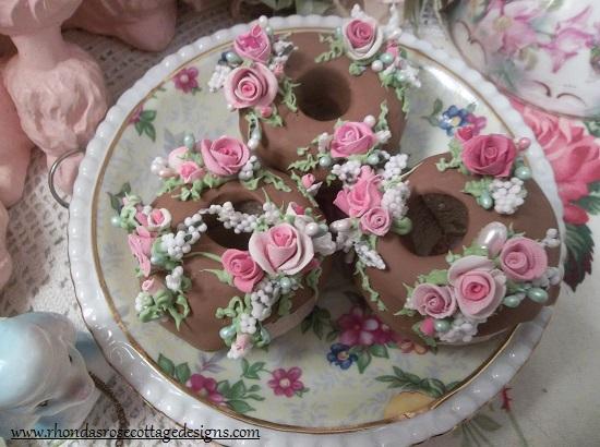 (Milk Chocolate Delights) Set Of 3 Mini Donuts