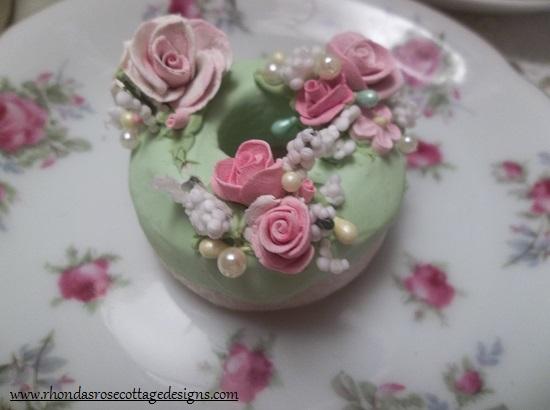 (Madame Sasha) Decorated Mini Donut