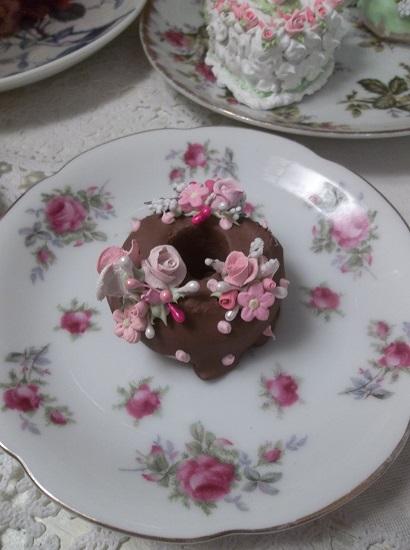 (Chocolate Dottie Donut) Decorated Mini Donut