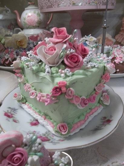 (Gala Rosa) Fake Cake Slice