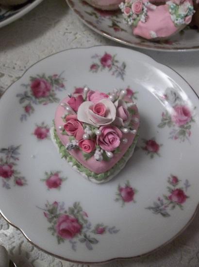 (Joyous) Mini Marvel Small Cake