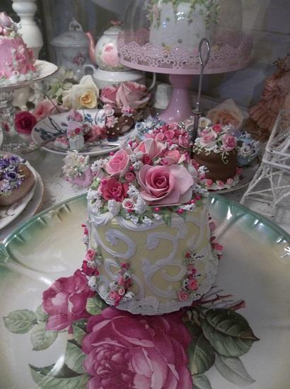 (Maryanne) Funky Junk Fake Cake