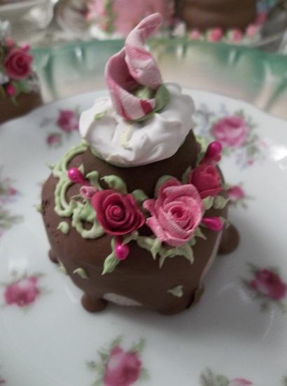 (Dana Donut Delight) Decorated Mini Donut