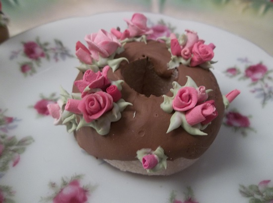 (Rosie Rosia) Decorated Mini Donut