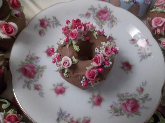 (Berett) Decorated Mini Donut