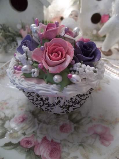 (Posie Rosie) Fake Cupcake