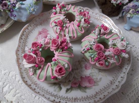 (Miranda) Set Of 3 Mini Donuts