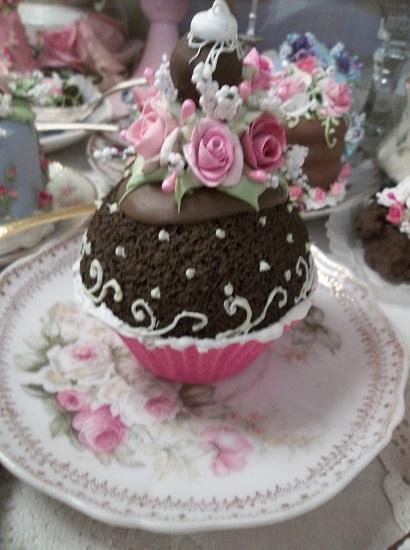 (Tracy Grace) Fake Cupcake