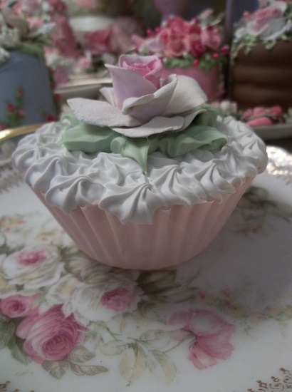(Single Rose) Fake Cupcake