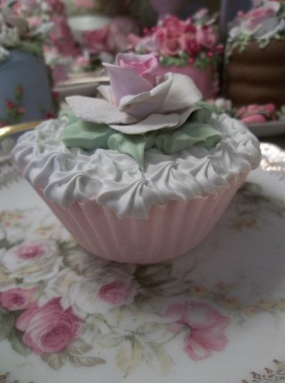 (Single Rose) Fake Cupcake
